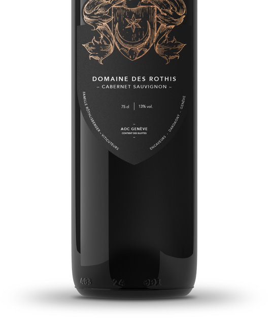Design des bouteilles haut-de-gamme du Domaine des Rothis réalisé par TMKL en collaboration avec Spinnaker Communication